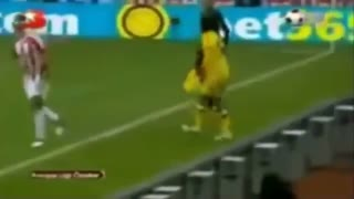 Ronaldinho funny red cards - Video
