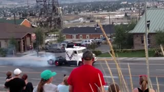 World Record Semi Jump Evil Knievel Days 2015 - Video