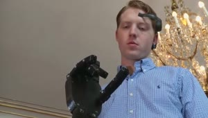 Cheap 3D printed robotic arm controlled by the mind - Video