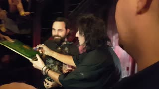 Alice Cooper signs autographs while leaving The Roxy in West Hollywood - Video