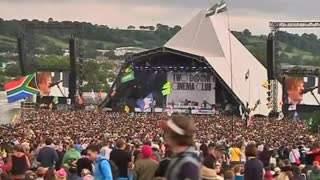 Glastonbury 2015 sells out in under 30 minutes - Video