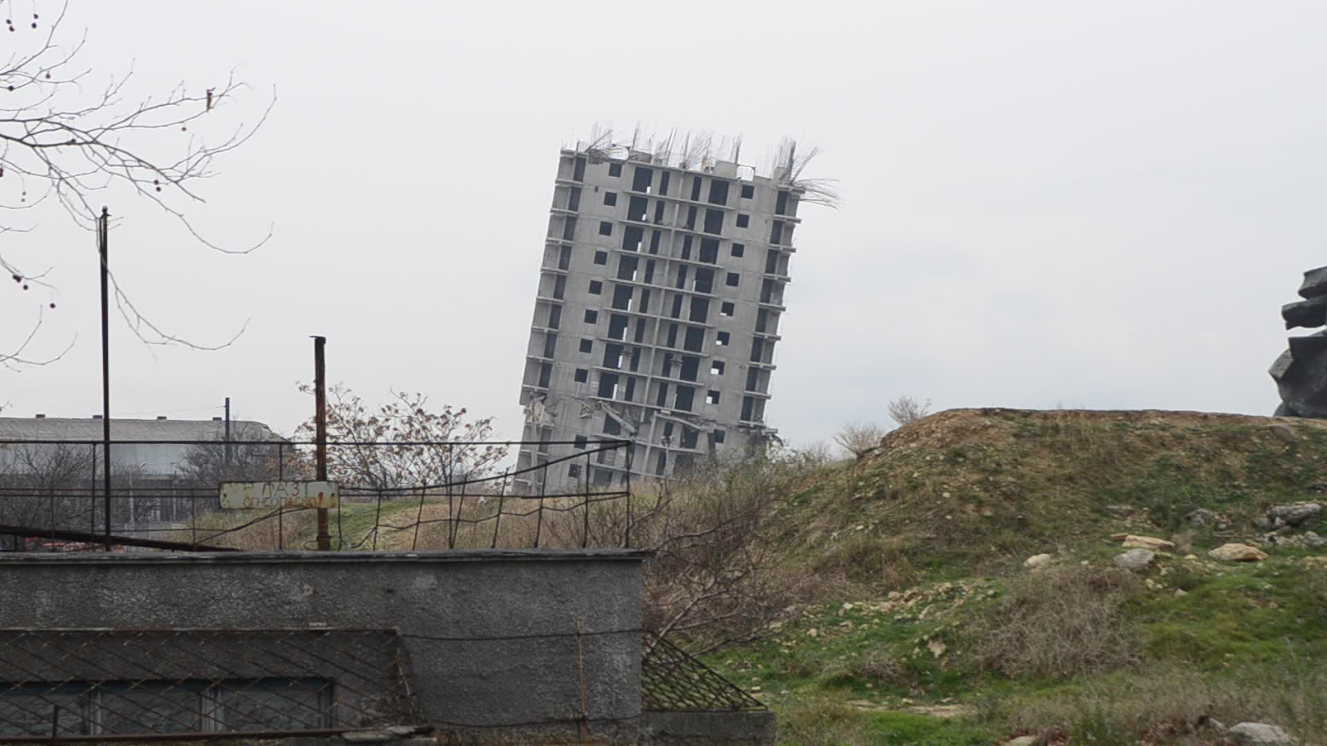 Building Blowing Up : Blowing up a building in sevastopol rumble