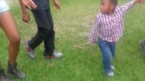 Toddler throws hilarious tantrum for leaving park