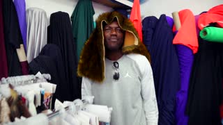 Terrell Owens shops fabrics for new clothing line - Video
