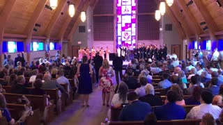 Bride Receives Surprise Wedding Flash Mob During 'Amazing Grace' - Video