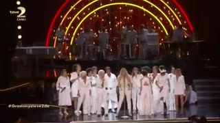 Kesha Performs At the Grammys - Video