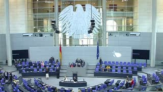 Germany gives thumbs up to Greek bailout - Video