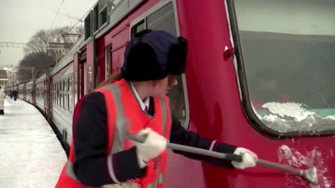 Russia lifts legal ban on female train drivers