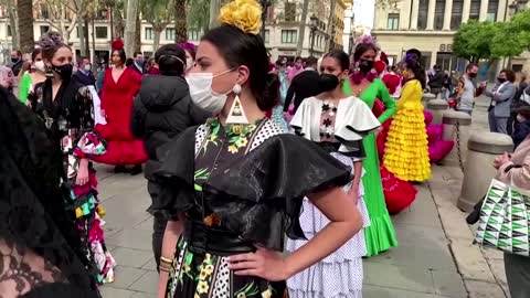 Spanish flamenco fashion sector protests in style