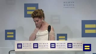Anne Hathaway cries at end of Human Rights Campaign speech