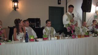 Brother of the bride delivers hilarious wedding toast - Video
