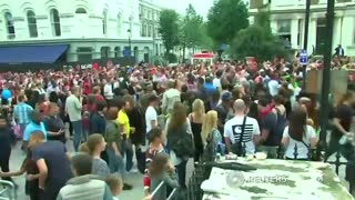 London's Notting Hill Carnival kicks off - Video