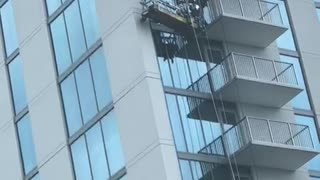 Dangerous Window Cleaning - Video