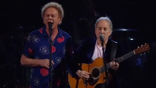 After Years Of Silence Between Them, Garfunkel Confronts Simon On Stage, And The Audience Erupts. - Video