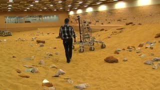 Students aim for Mars Rover glory - Video