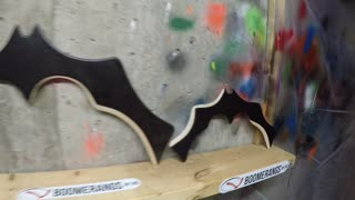 Real-life returning Batman Batarang! - Video