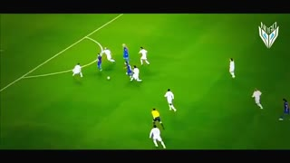 Leo Messi owns Sergio Ramos - Video