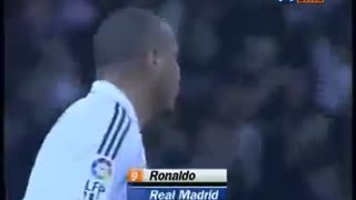 That pass from Beckham to Ronaldo - Video