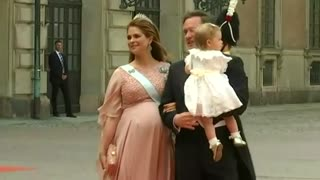Guests arrive for wedding of Sweden's Prince Carl Philip to Sofia Hellqvist - Video