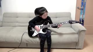 Little girl playing rock and roll - Video