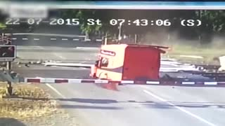 Truck Vs Train - Video
