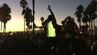 Kevin Hart gives motivational speech for Nike 5K run - Video