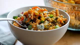 Buffalo chicken quinoa salad recipe - Video