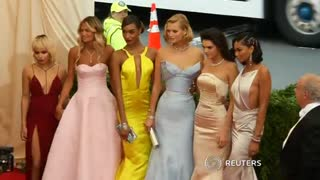 Power couples rule at the Met Gala - Video