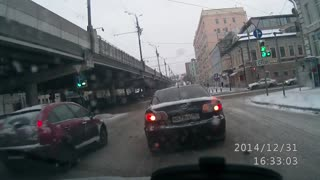 Not In The Mood For The Law Today | Victim of Fender Bender Awkwardly Flees Scene - Video