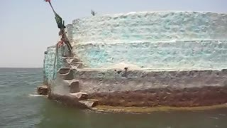 Amazing Tomb of Noori in Middle of Giant Keenjhar Lake  - Video