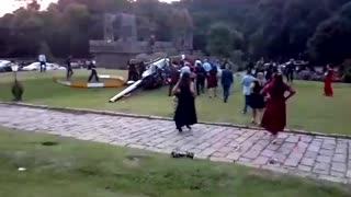 Helicopter Crash in Vineyard - Video