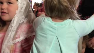 Little Girl Gives Hugs To Everyone In Her Church - Video