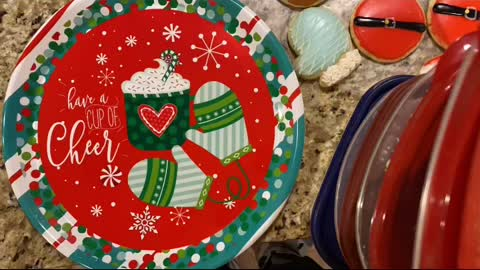 How to Pack Christmas Cookie Trays!
