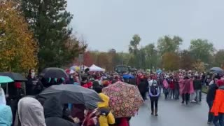 Trump - long line to attend rally Allentown PA, Oct 26 2020
