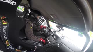 Driver sets Nissan GT-R R35 World Record - Video