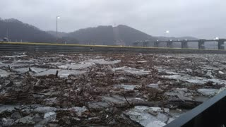 Ohio River Thaws After Being Frozen - Video