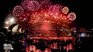Samoa and Kiribati are First to Welcome the New Year - Video