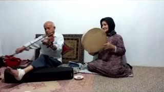 Old couple playing music - Violin and Daf - Video