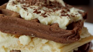 How to make tiramisu waffles - Video