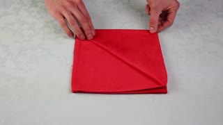 Life hack: How to elegantly fold a napkin - Video