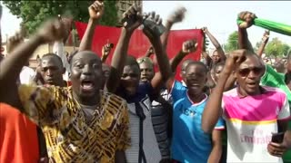 Loyalist Burkina troops threaten coup leaders - Video
