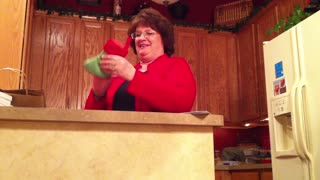 Daughter Has Big Announcement And Mom Loses It - Video