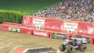 Monster Truck gets big air and loses hood!