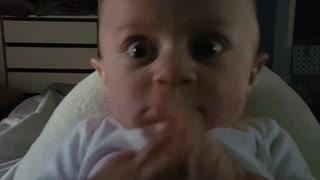 Daddy's roar hilariously startles baby