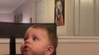 Baby girl loves Mac n cheese - Video