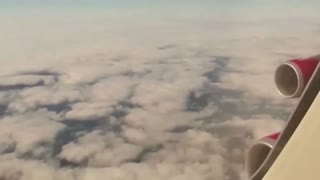 UFO caught from airplane over Liverpool, England - Video