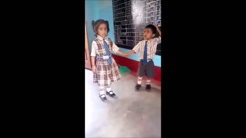 Little boy delivers sweet marriage proposal