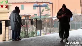 Dropping Cocaine in Public (Social Experiment) - Video