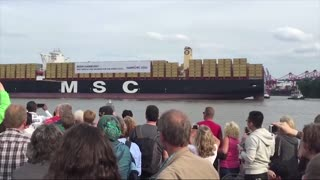 Cargo ship sings Star Wars theme song - Video