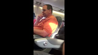 Doctor Violently Dragged Off Overbooked United Flight - Video